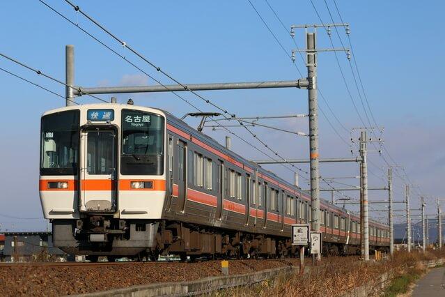 JR東海道本線の快速列車
