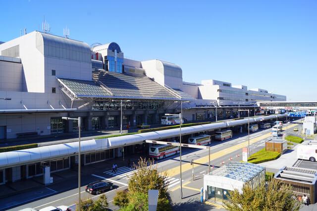 羽田空港国内線ターミナルのタクシー・バスのりば