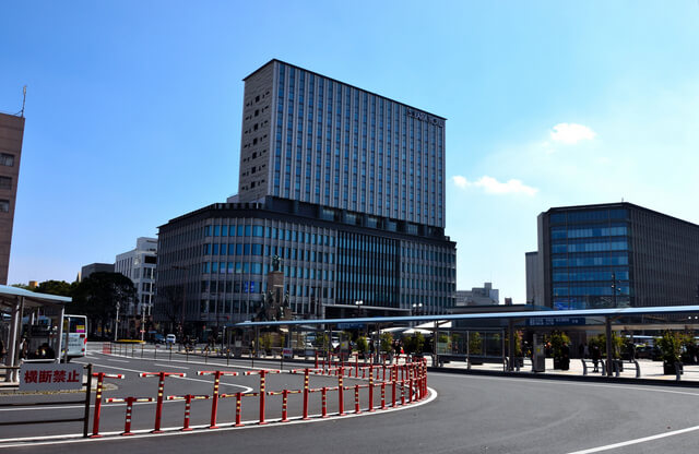 鹿児島中央駅前のバスターミナル