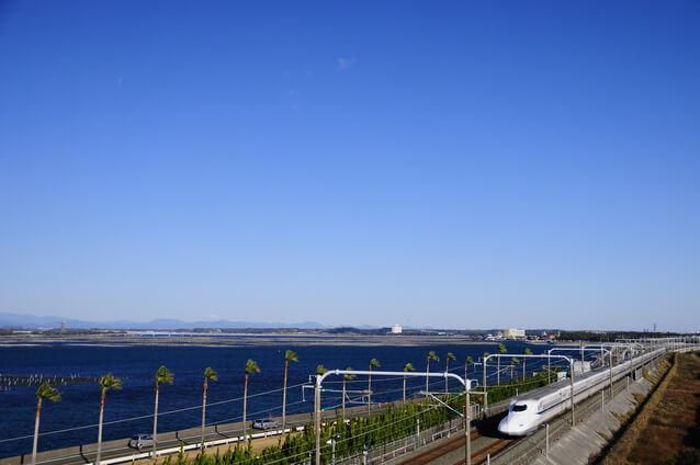 浜名湖と新幹線
